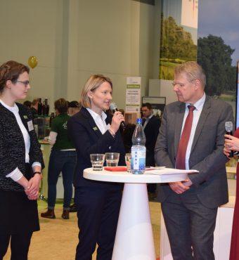 Talk-Runde der LEADER-Regionalmanagerinnen mit Staatssekretär Bottermann auf der IGW